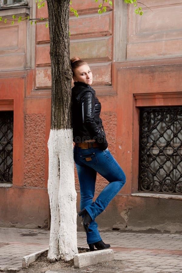 Bella ragazza moderna fotografia stock libera da diritti