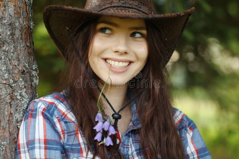 Bella ragazza nello stile rustico fotografia stock