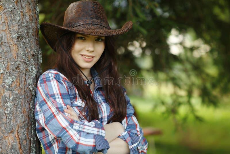 Bella ragazza nello stile rustico immagine stock