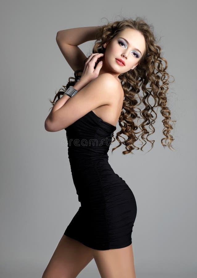 Bella ragazza sensuale con capelli lunghi fotografie stock