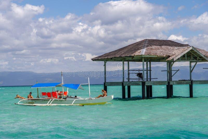 Bella sabbia Antivari della spiaggia a Dumaguete immagine stock libera da diritti