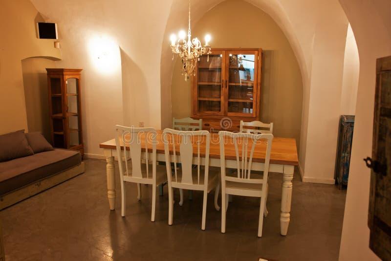 Bella sala da pranzo di disegno interno immagini stock libere da diritti