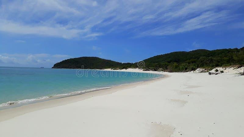 Bella spiaggia bianca del porto in Australia immagine stock libera da diritti