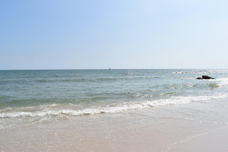 Bella spiaggia in Hua Hin in Tailandia, Asia fotografia stock libera da diritti