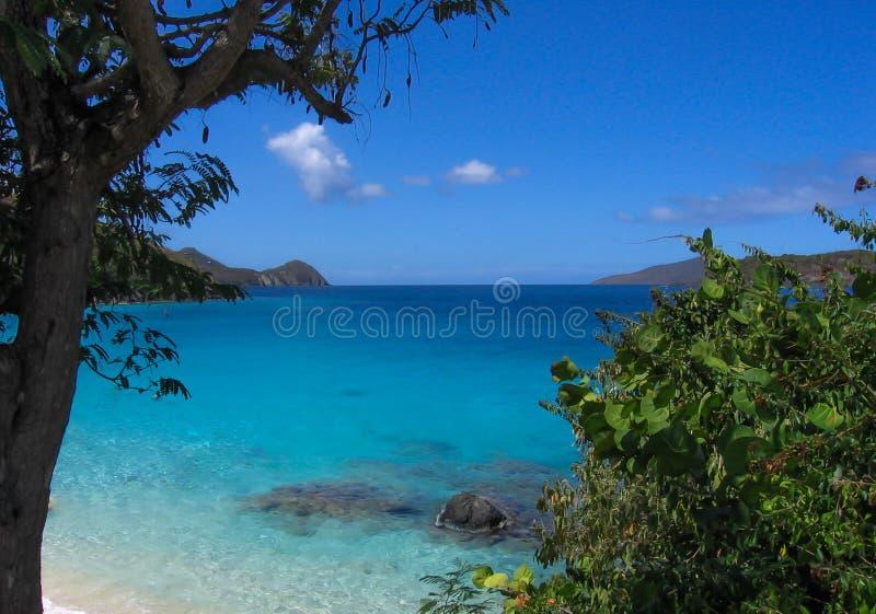 Bella spiaggia in Isole Vergini americane di St Thomas fotografia stock