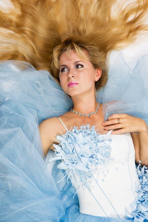 Download Bella sposa immagine stock. Immagine di fiore, speranza - 3148677