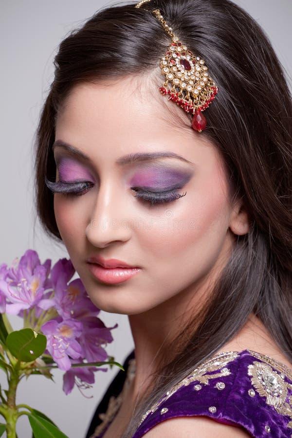 Bella sposa asiatica fotografia stock