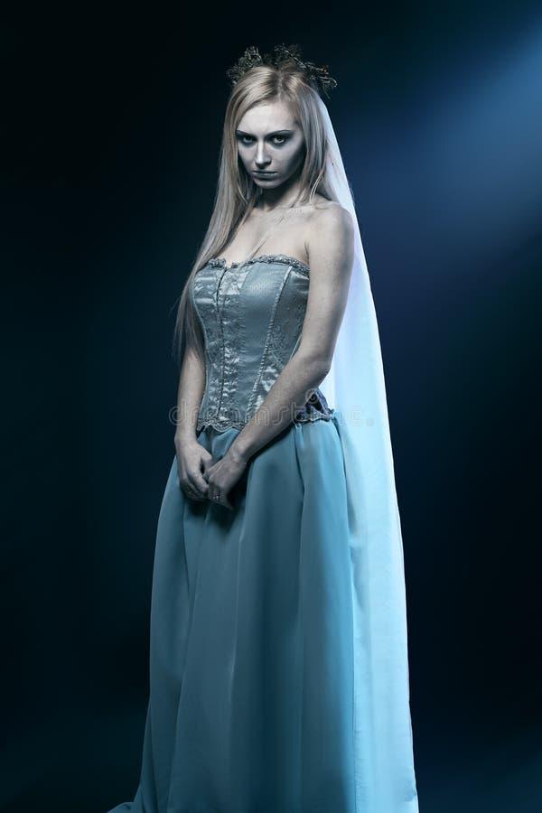 Bella sposa del cadavere delle zombie fotografia stock libera da diritti