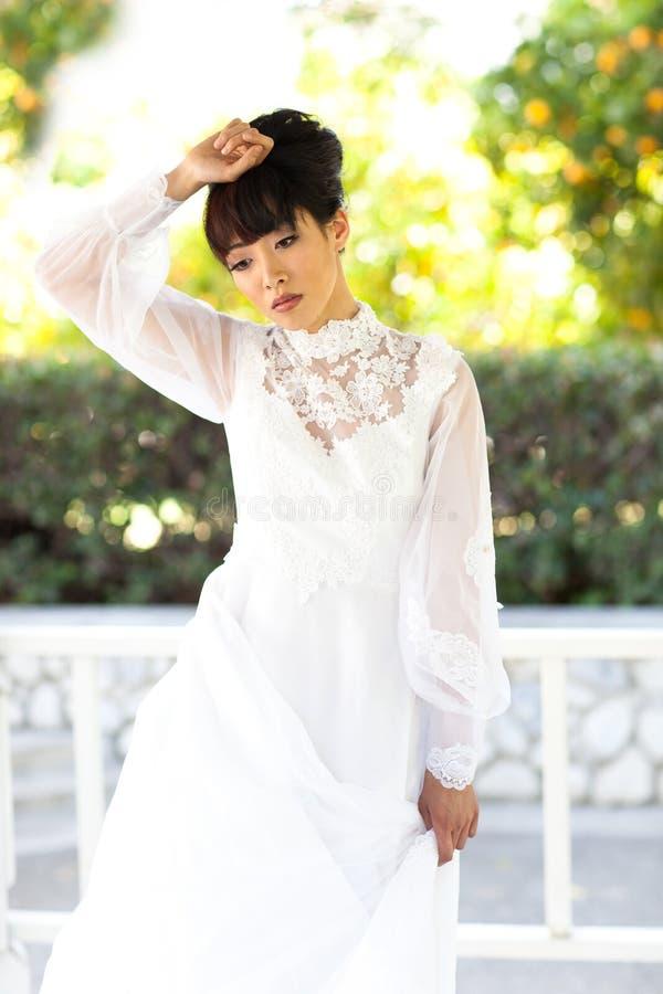 Bella sposa nell'afflizione fotografia stock