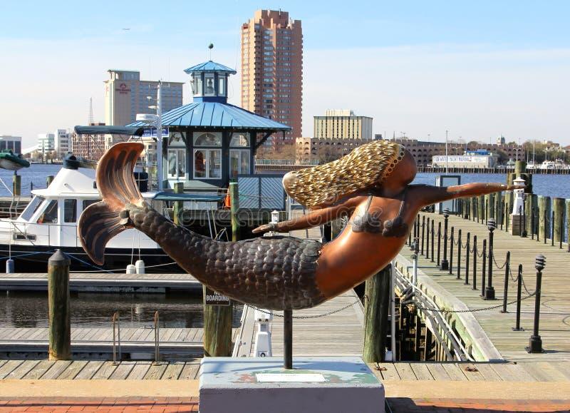 Bella statua della sirena immagine stock editoriale - Immagini della vera sirena ...