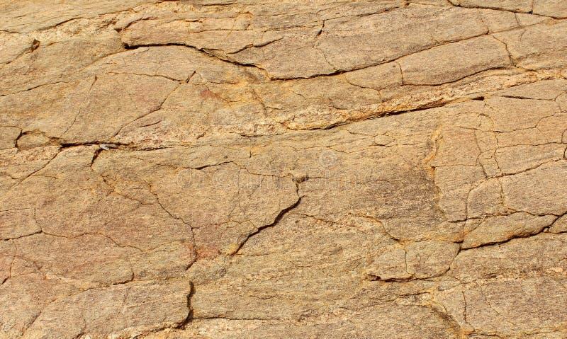 Bella struttura orizzontale dello sfondo naturale di struttura incrinata della roccia fotografie stock libere da diritti