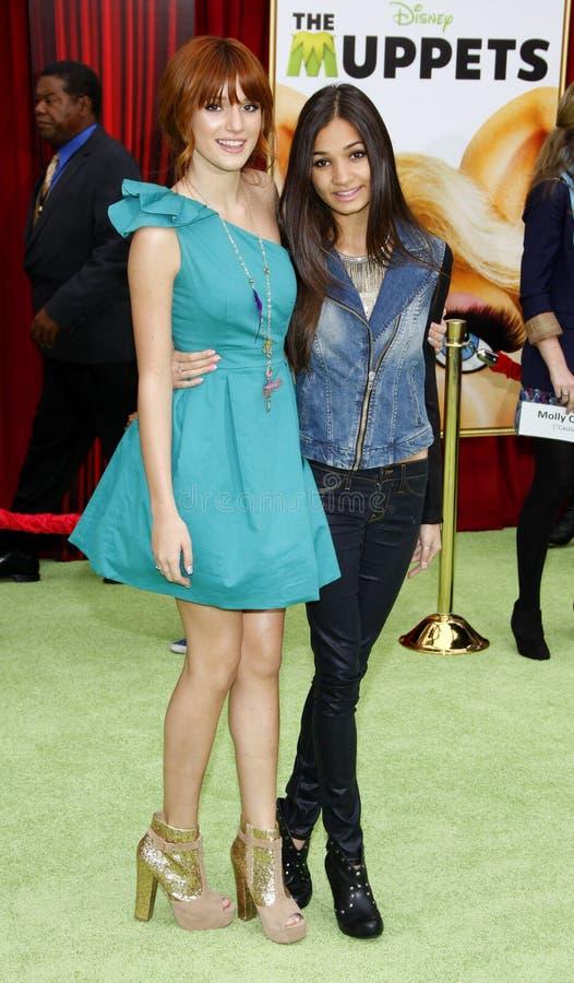 Bella Thorne и Pia Mia стоковое изображение rf