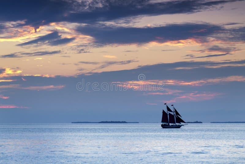 Bella vela di tramonto in Key West Florida fotografia stock