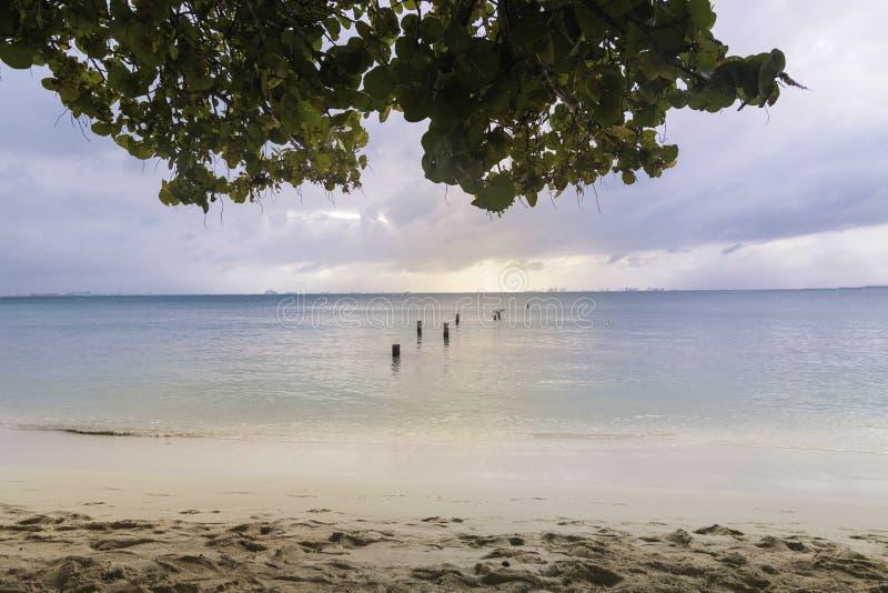 bella vista del mare nei mujeres cancun, Messico di isla immagini stock libere da diritti