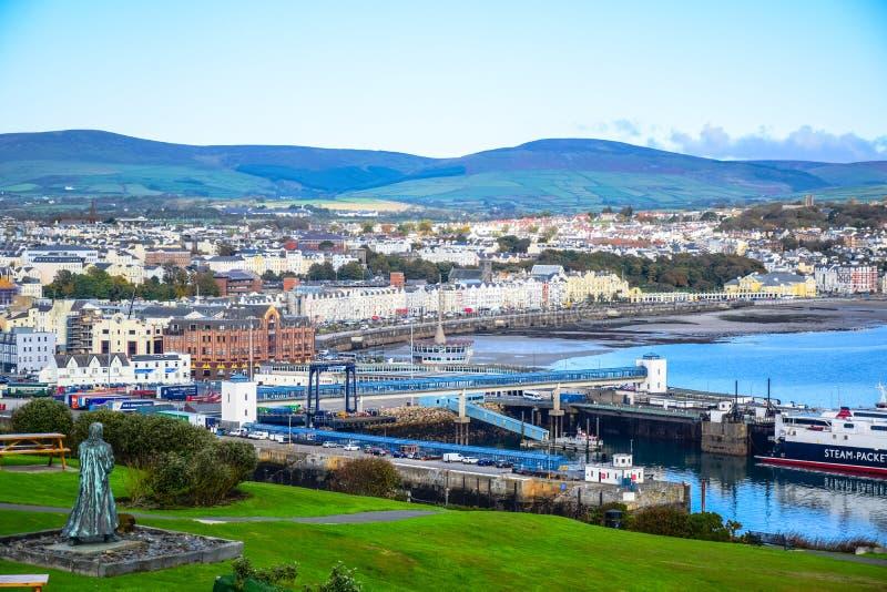 Bella vista del paesaggio della città della spiaggia di Douglas nell'Isola di Man fotografie stock libere da diritti