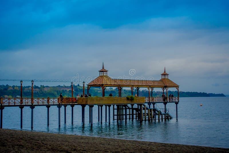 Bella vista del pilastro nel lago llanquihue, Frutillar Bajo, Cile fotografie stock libere da diritti