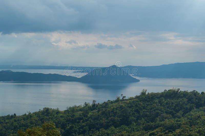 Bella vista del vulcano di Taal immagine stock
