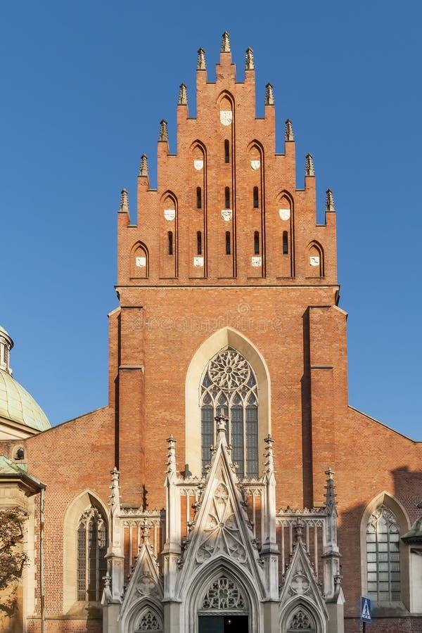 Bella vista della basilica di Krakow's del monastero del dominicano e della trinità santa, Polonia immagine stock