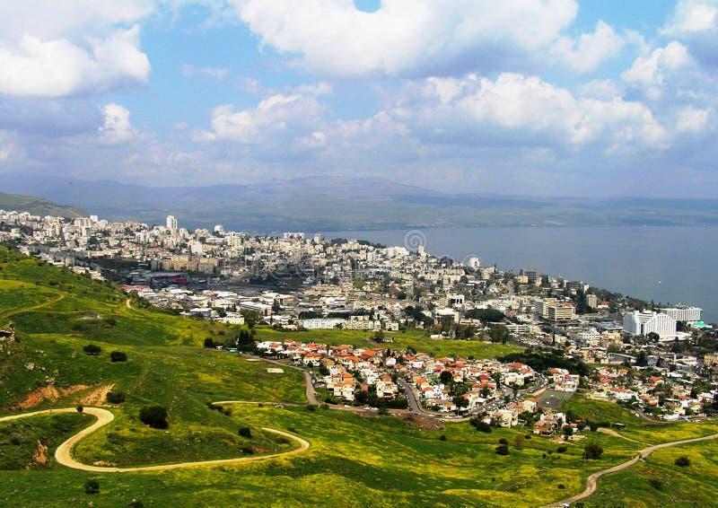 Bella vista della città di Tiberiade, Israele fotografia stock libera da diritti