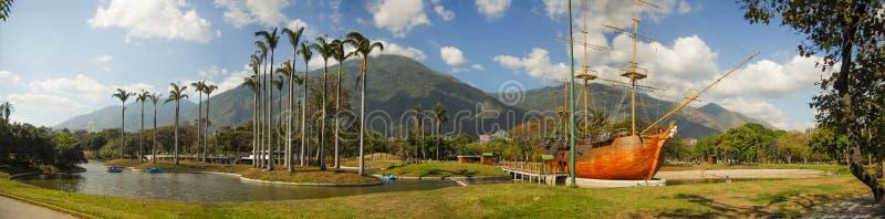 Bella vista della montagna di Avila dal parco orientale Caracas Venezuela fotografia stock