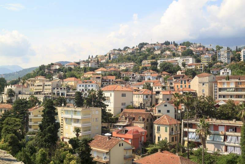 Bella vista della stazione turistica popolare di Castelnuovo da fortre fotografia stock libera da diritti