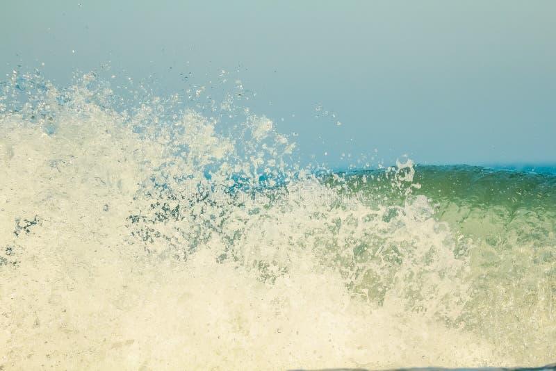 Bella vista delle onde di Mar Nero immagini stock libere da diritti