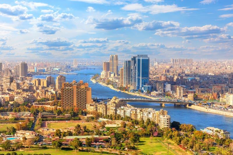 Bella vista di Il Cairo e del Nilo da sopra, l'Egitto fotografie stock libere da diritti