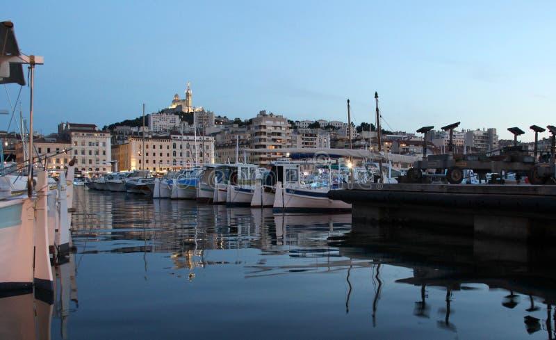 Bella vista di Marsiglia nella notte fotografie stock