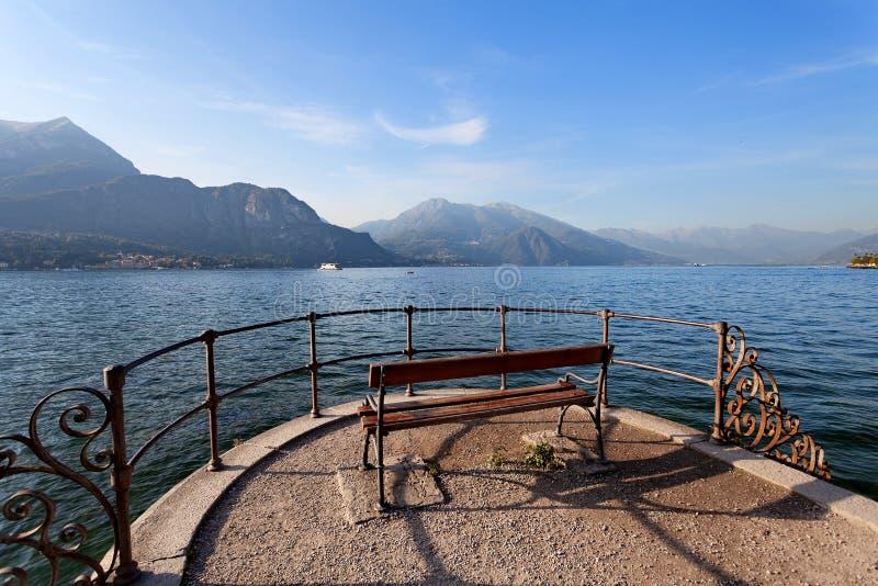Bellagio, Lombardia, Lombardía, Italia - lago Como en la puesta del sol fotos de archivo libres de regalías