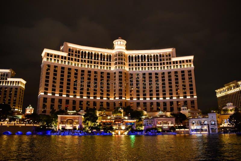 Bellagio que sorprende en la noche en Las Vegas fotografía de archivo libre de regalías