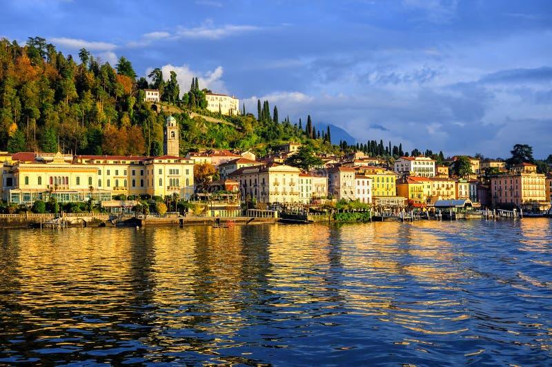 Bellagio semesterortstad på sjön Como, Lombardy, Italien royaltyfri fotografi
