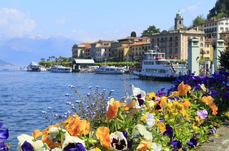 Bellagio y lago del como fotos de archivo