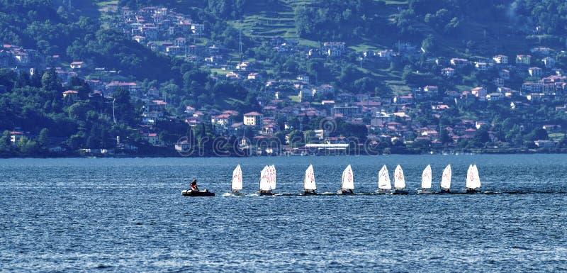 Bellano e o lago Como imagem de stock