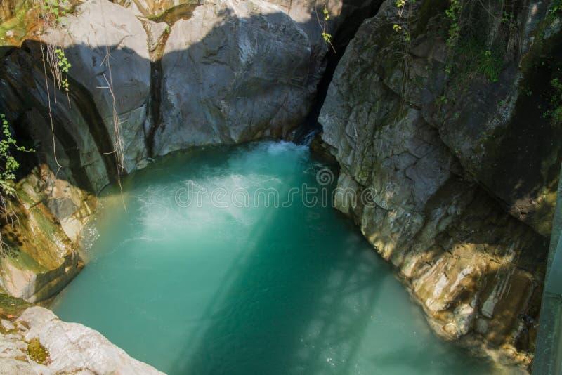 Bellano Italia cerca del como del lago imagenes de archivo