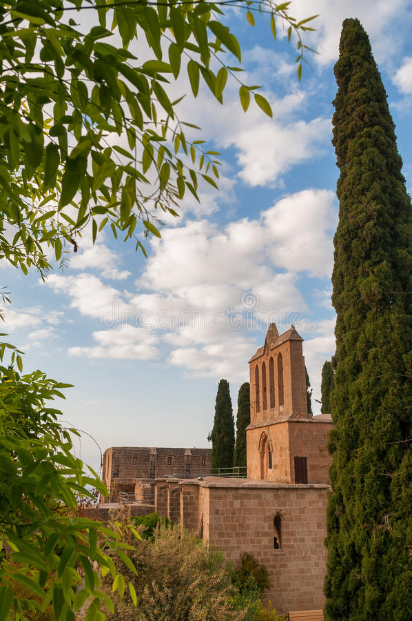 Bellapais Abbey Kyrenia cyprus arkivbild
