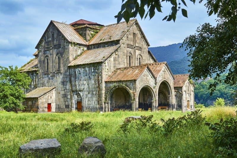 Belle église dans le monastère arménien antique Akhtala photo libre de droits