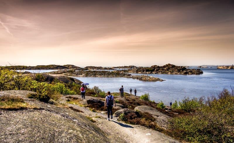 Belle île, belle nature et un ciel dramatique - Gothenburg, Suède images libres de droits
