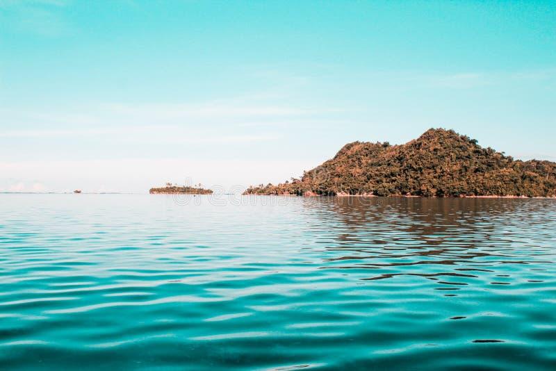 Belle île dans Sulangan, Guiuan photo libre de droits