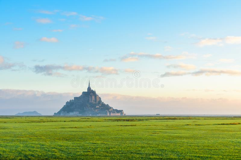 Belle abbaye de Mont Saint Michel sur l'île, Normandie, France du nord, l'Europe images stock