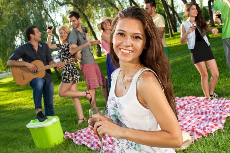 Belle adolescente vivace images libres de droits