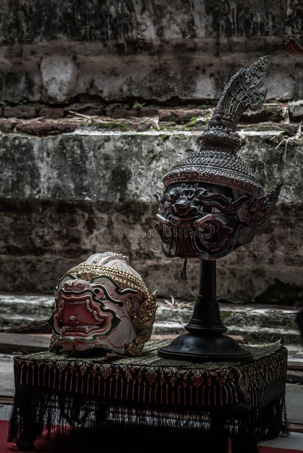 Belle antiche e belle maschere d'arte o Hua Khon per la danza sono le tradizionali danze thailandesi della serie Ramayana epic Kh fotografia stock