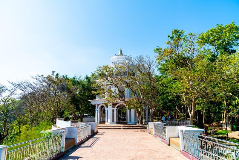 Belle architecture à la colline Rang à Phuket image libre de droits