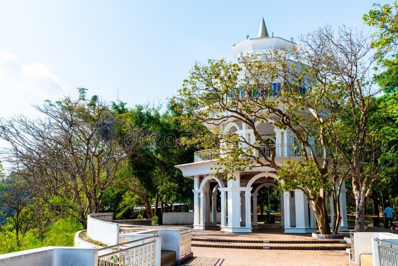 Belle architecture à la colline Rang à Phuket images libres de droits