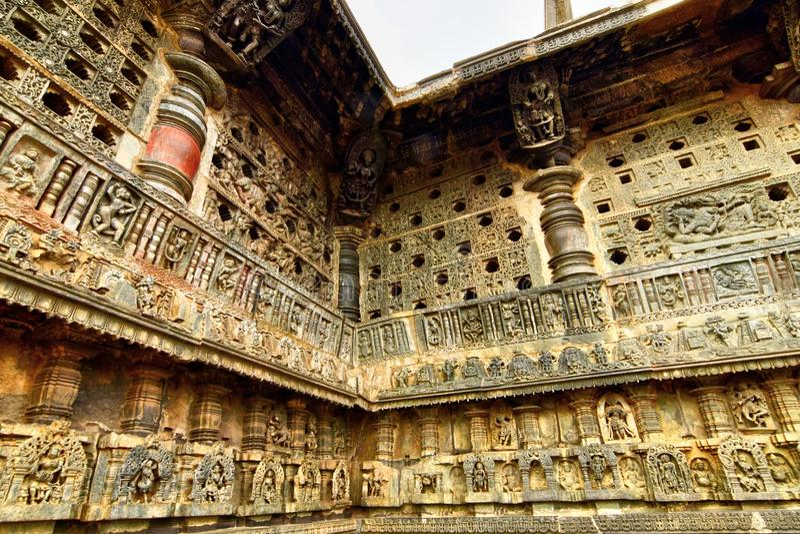 Belle architecture de Hoysala au temple de Chennakeshava chez Belur photographie stock libre de droits