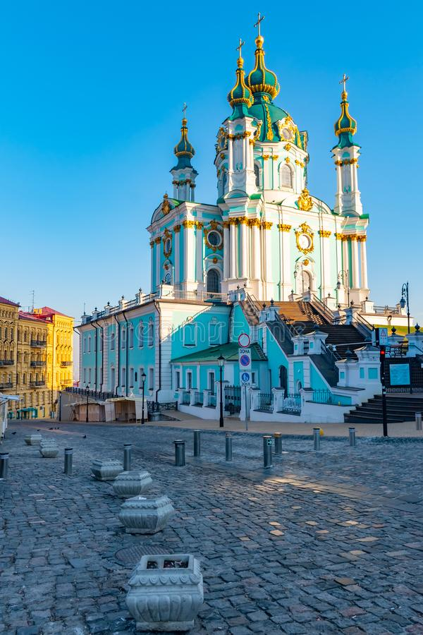 Belle architecture de l'?glise du St Andrew, Kiev, Ukraine images stock