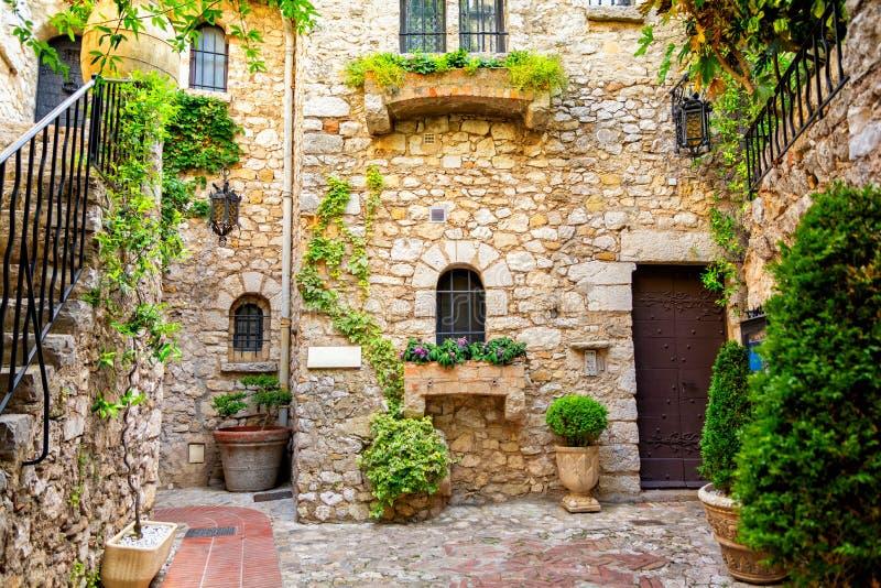 Belle architecture de vieille ville d'Èze sur la Côte d'Azur, Cote d'Azur, France photo stock