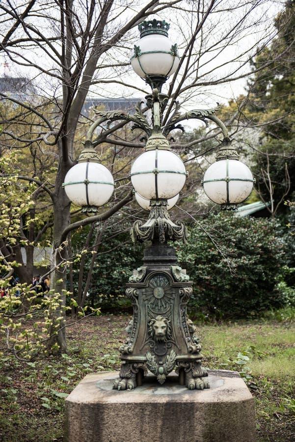 Belle architecture japonaise dans le jardin image libre de droits