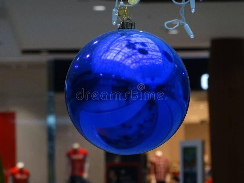 Belle boule bleue photo stock