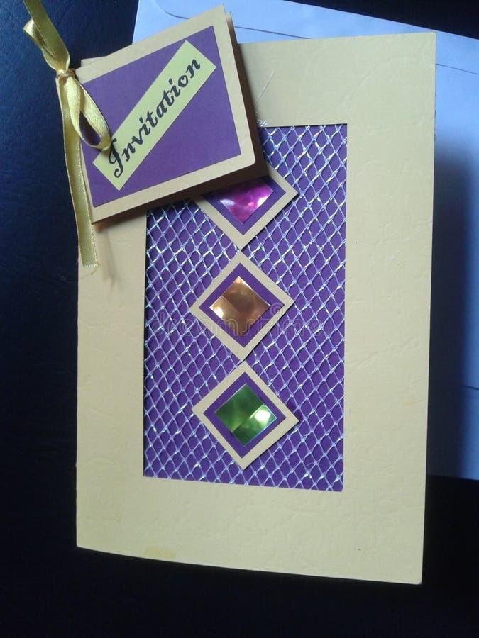 Belle carte fabriquée à la main d'invitation images stock
