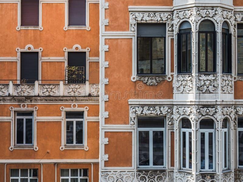 Belle case della città favolosa di Genova immagini stock